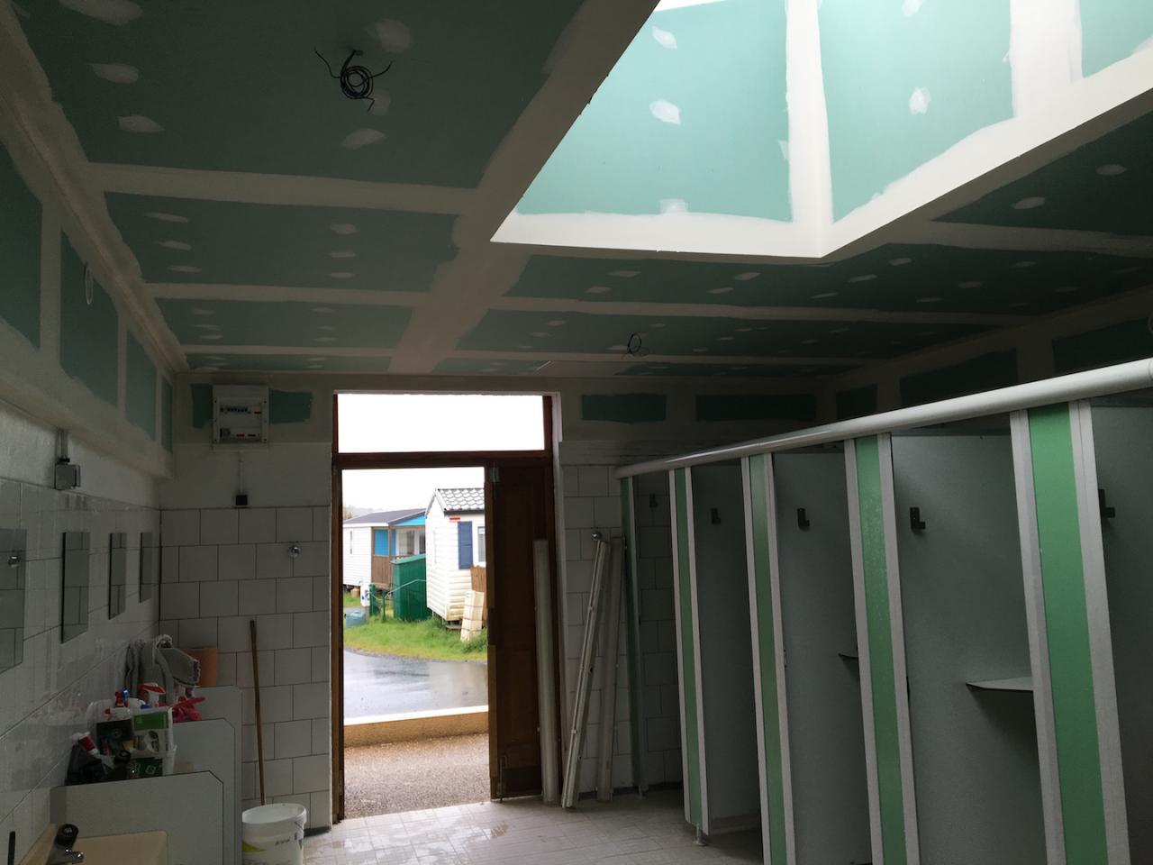 plafond placo hydro doublage hydro habillage puit de jour. Black Bedroom Furniture Sets. Home Design Ideas